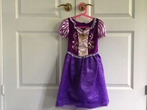 Rapunzel dress (size: for 4-6 years old)