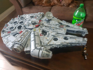 Lego Millennium Falcon 8445 PIECES!