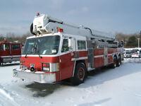 1988 SIMON-DUPLEX  AERIAL LADDER FIRE TRUCK