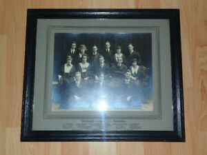 University of Toronto Executive 2T2 vintage picture framed