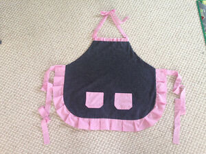 Cute Ruffled apron new hand made Cambridge Kitchener Area image 1