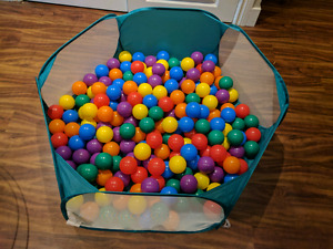 ZeleSouris Kids Pop Up Ball Pit Baby play tent & 200 large balls
