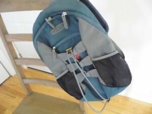 keen back pack new