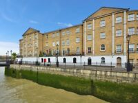 1 bedroom flat in Edward Square, Rotherhithe SE16