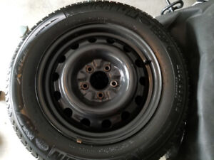 Toyota Camry 215/60R16 Michelin Xi3 Winter Tires on Rims - 95%