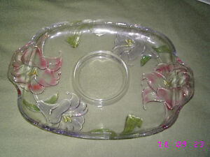 tray with dip bowl