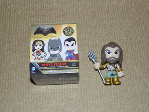 FUNKO, AQUAMAN, MYSTERY MINIS, BATMAN VS. SUPERMAN, VINYL FIGURE