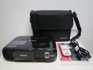 New Epson Pro 3LCD Home Theater HD WXGA Projector 3000 HDMI 6000