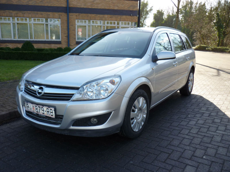 2008 vauxhall opel astra 1 6 16v left hand drive lhd croatian registered in uxbridge london. Black Bedroom Furniture Sets. Home Design Ideas