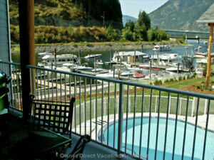 WATERFRONT LUXURY 2 BED CONDO, 30 'BOAT SLIP, POOL & HOT TUB