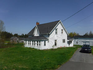 Large Country Home with Large Barn/Garage on 19.16 Acres