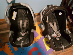 2 car seats with bases and double stroller