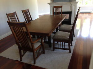 NEW PRICE: Quality Mission Style Oak Dining Room Suite, 8 chairs