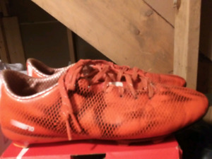 Adidas soccer cleats size 8