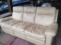 Recliner love-seat (leather )