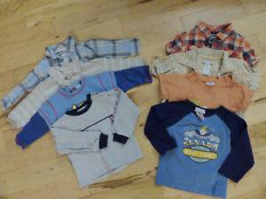 Gros lot de beaux vêtements pour garcon 12 mois