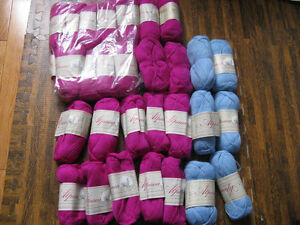 Lots of assorted yarn