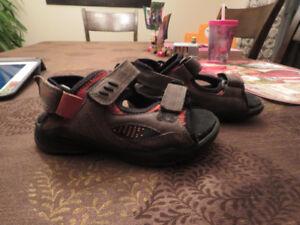 Sandales et souliers enfants : TRÈS BAS PRIX