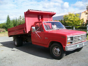 1984 Ford F-350 dompeur  6 roues