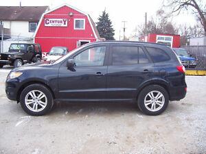 2011 Hyundai Santa Fe GLS  SUV, Crossover