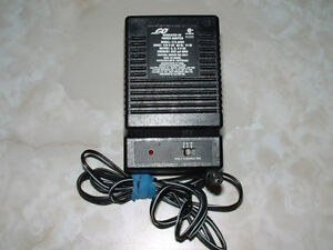 POWER ADAPTER REGULATED AC 3,6,9 VOLTS London Ontario image 1