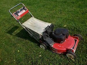 Tondeuse Toro automotrice / Toro self-propelled lawnmower