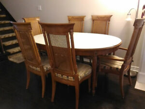 "DINING TABLE  Mady by ""Thomasville""  with 8 chairs"