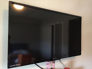 40 inch Emerson LED tv, good quality! Remote has gone missing