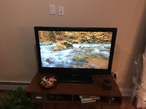 """40inch"" Dynex TV for sale!!! Need gone ASAP!! Serious inquiries"