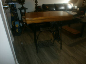 Desk antique singer sewing machine base London Ontario image 2