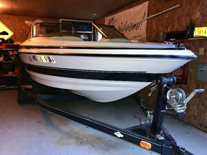 Bow rider in great condition new motor 0 hours