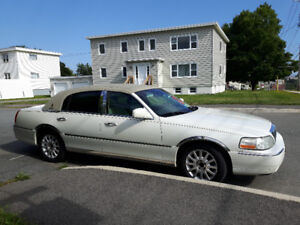 2006 LINCOLN TOWN CAR GREAT CONDITION