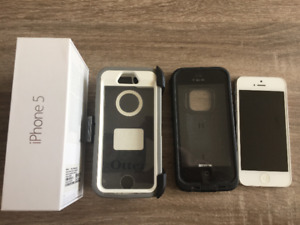 Apple iPhone 5 MINT condition - with LifeProof and Ottorbox case