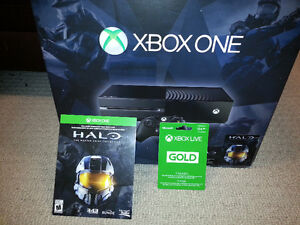 Awesome Xbox One bundle all Adult Owned & in 10/10 Condition !!!
