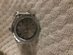 Cannabis Grinder Disguised As A Watch