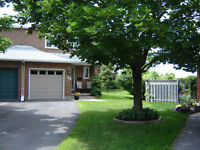 OPEN HOUSE Pristine freehold Townhome in Kanata