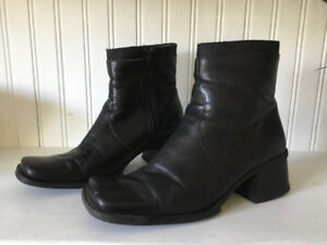 Women's Nine West boots, very good condition
