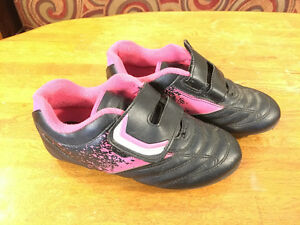 Kids Outdoor Soccer Shoes