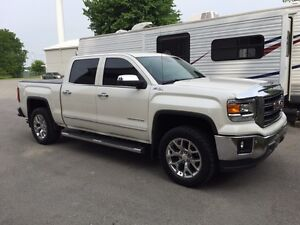 2015 GMC Sierra SLT Diamond White.