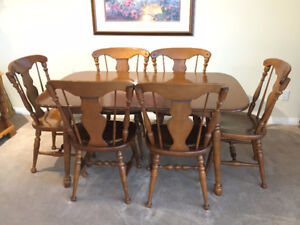 Vintage Vilas Maple Dining Set with beautiful hutch