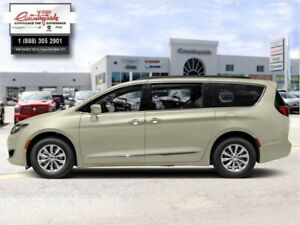 2019 Chrysler Pacifica Touring-L Plus  - Leather Seats