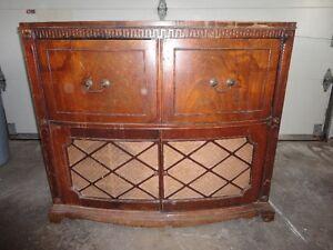 2 Antique Radio