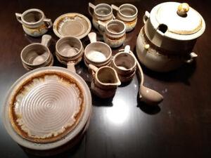 Grand ensemble de vaisselle Laurentian vintage Tundra dishes