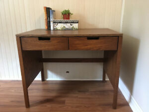Cute desk with drawer