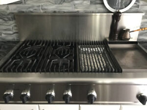 Thermador Gas Range with Grill Area + Warm Zone