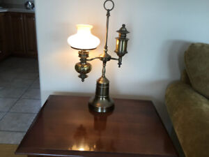 Antique lamp for sale Excl. cond, Solid brass, non smoking.