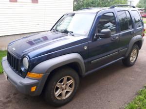 2005 4x4 3.7L Jeep Liberty (price negotiable)