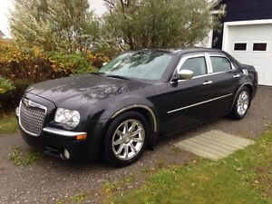 2010 Chrysler 300-Series Berline LIMITED