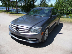 2011 Mercedes-Benz C250 V6 Sport Package AWD $78 Weekly Peterborough Peterborough Area image 4
