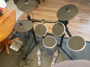 Electronic drum set    great condition